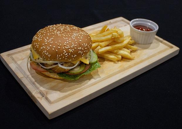 Гамбургер. Фото предоставлено заведением
