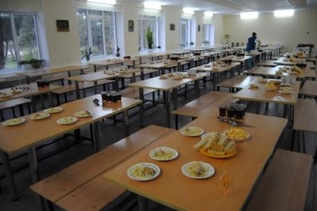 Впарламенте Приангарья обсудят стоимость питания школьников измалоимущих семей