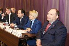 Максим Ясус (справа). Фото пресс-службы правительства Иркутской области