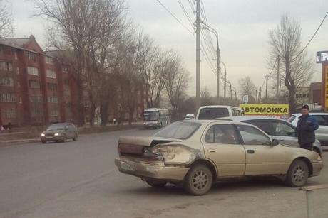 Автобус №66 столкнулся синомаркой вИркутске