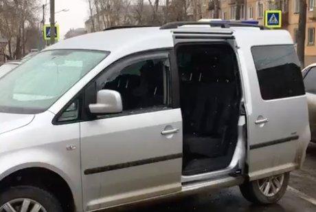 Неизвестный устроил стрельбу около школы №27 вАнгарске