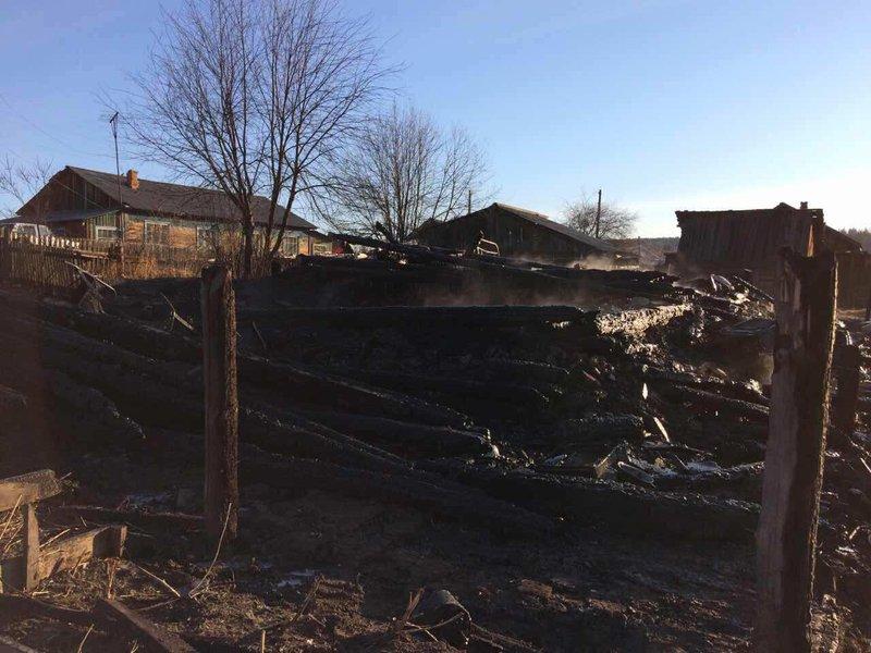 Впожаре вИркутской области погибли 4 человека
