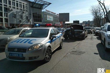 ВИркутске задержали одного изподозреваемых вобстреле автомобиля Тоёта Camry