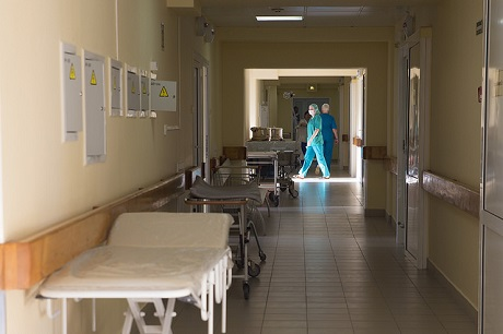 Двое из семи госпитализированных воспитанников иркутского интерната находятся в реанимации      11 апреля 17:44