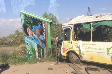 ВИркутске будут судить водителя автобуса, врезавшегося врекламный щит намосту
