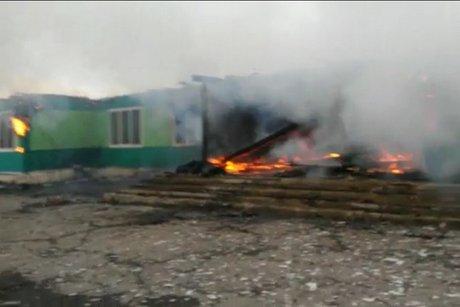 Пофакту поджога школы вАларском районе возбуждено уголовное дело