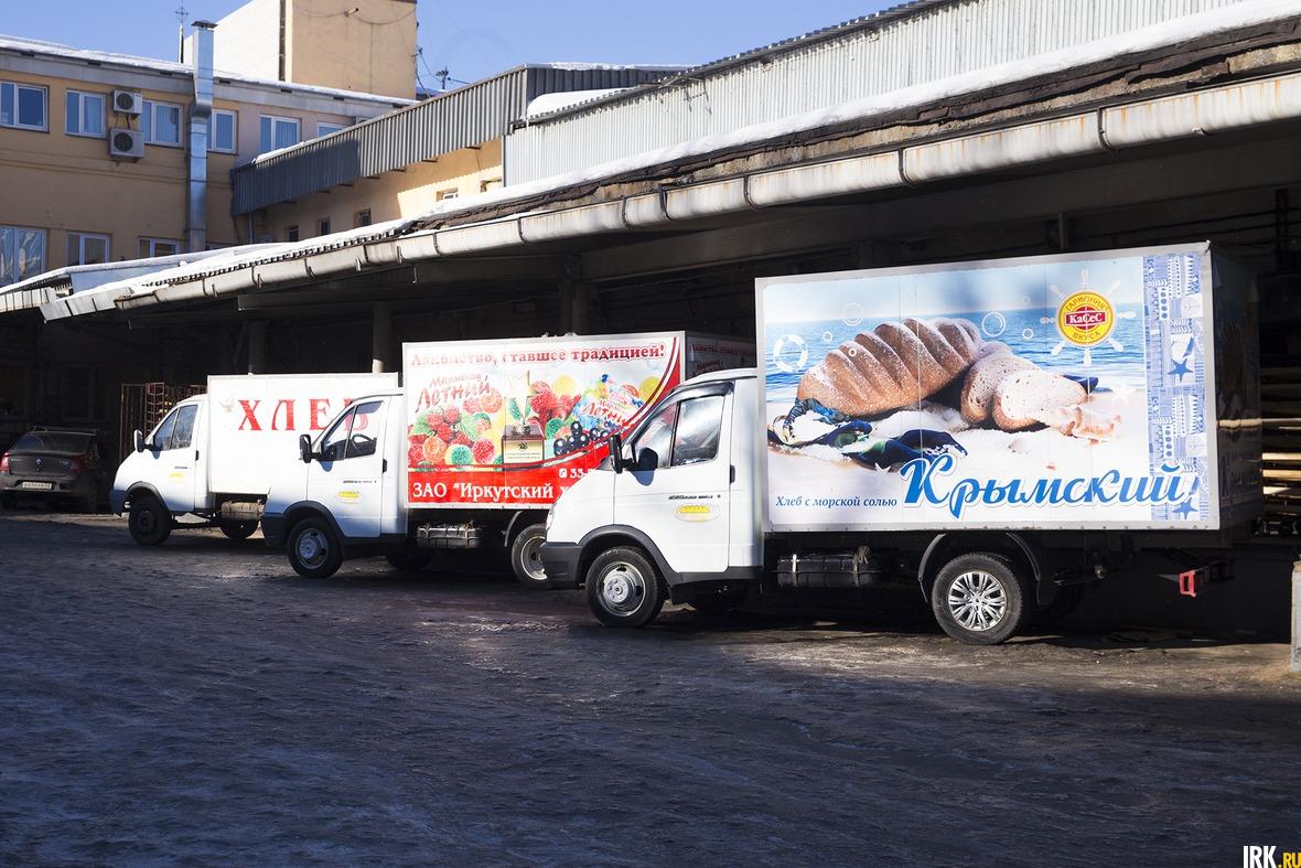 Каждый день 44 машины развозят хлеб во все районы Иркутска и в другие города области