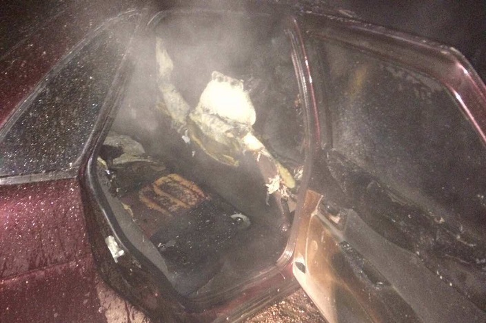 Два автомобиля вспыхнули вИркутске вночь на12мая