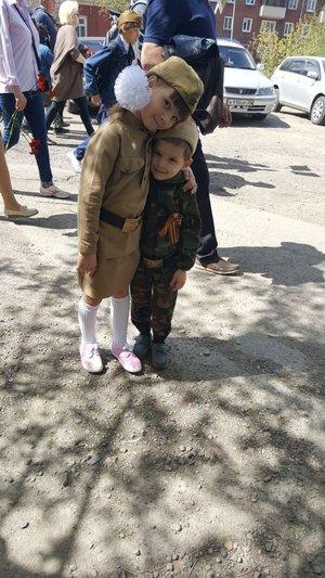 Брат и сестра - неразлучные друзья