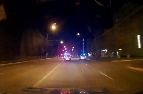 Дорожные полицейские вБратске открыли огонь, чтобы остановить нетрезвого водителя без прав