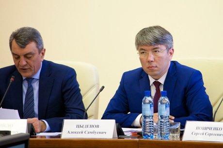 Сергей Меняйло и Алексей Цыденов. Фото пресс-службы правительства Республики Бурятия