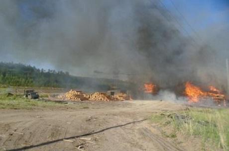 Еще  один посёлок вИркутской области едва несгорел