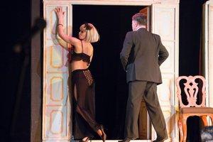 Русский драматический театр имени Н. А. Бестужева. Он, она, окно, покойник