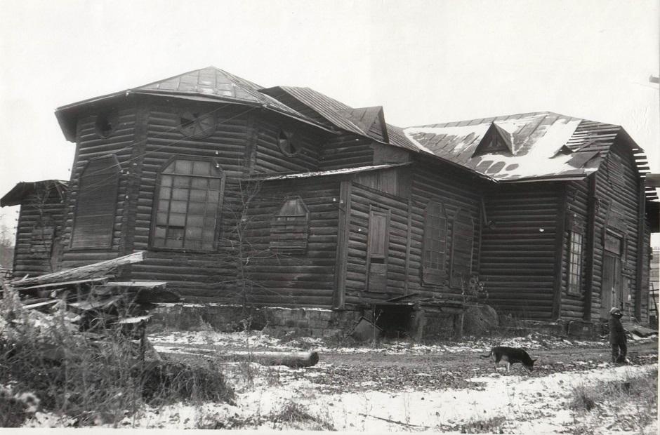 Церковь в 1988 году. Фото из архива прихода