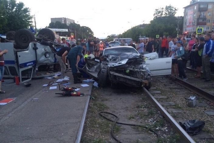 Нетрезвый  шофёр  таранил полицейский автомобиль— Погоня вАнгарске