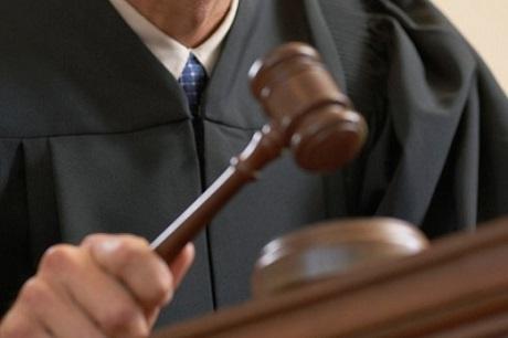 ВИркутске судью застали засексом сподростком на береге