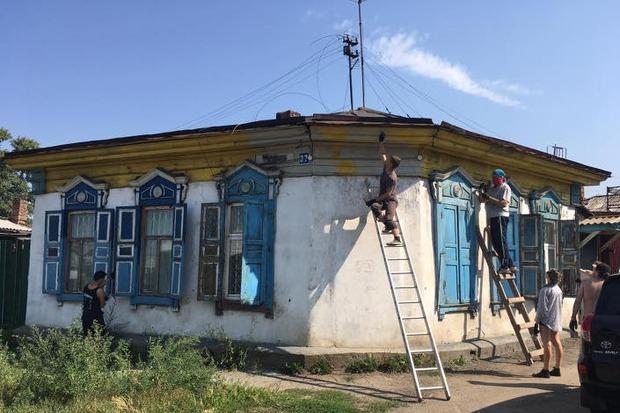 Дом из деревяшек 149