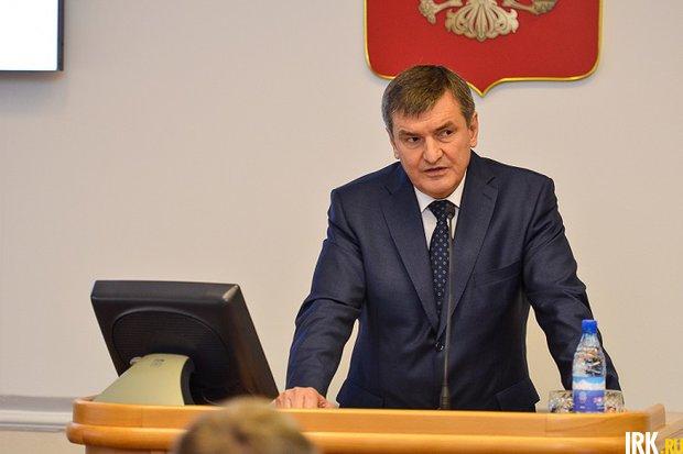 Александр Битаров на сессии Заксобрания. Фото IRK.ru
