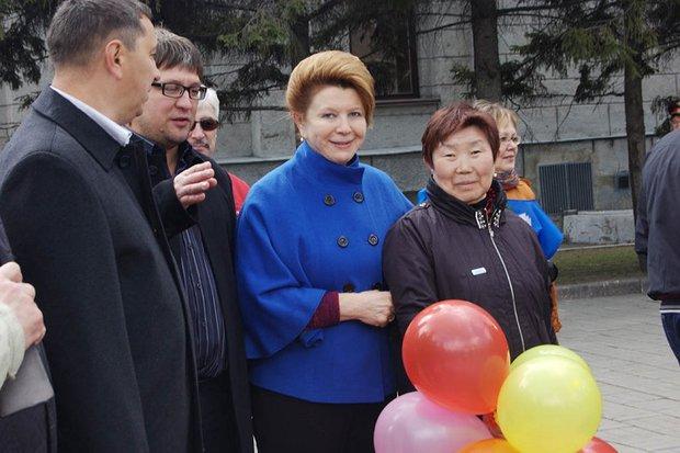 Первомайское шествие в 2014 году. Фото пресс-службы Заксобрания
