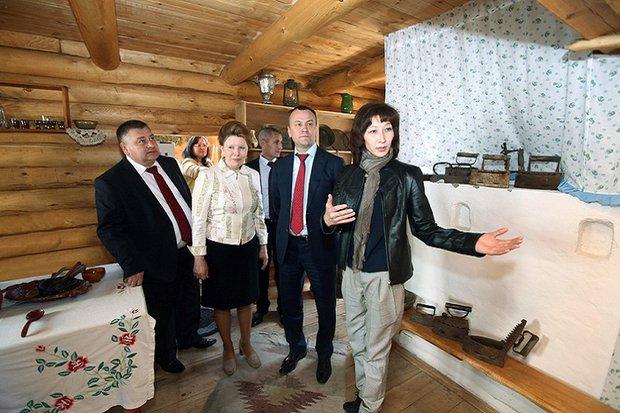 Рабочая поездка с губернатором Сергеем Ерощенко в 2013 году. Фото правительства Иркутской области