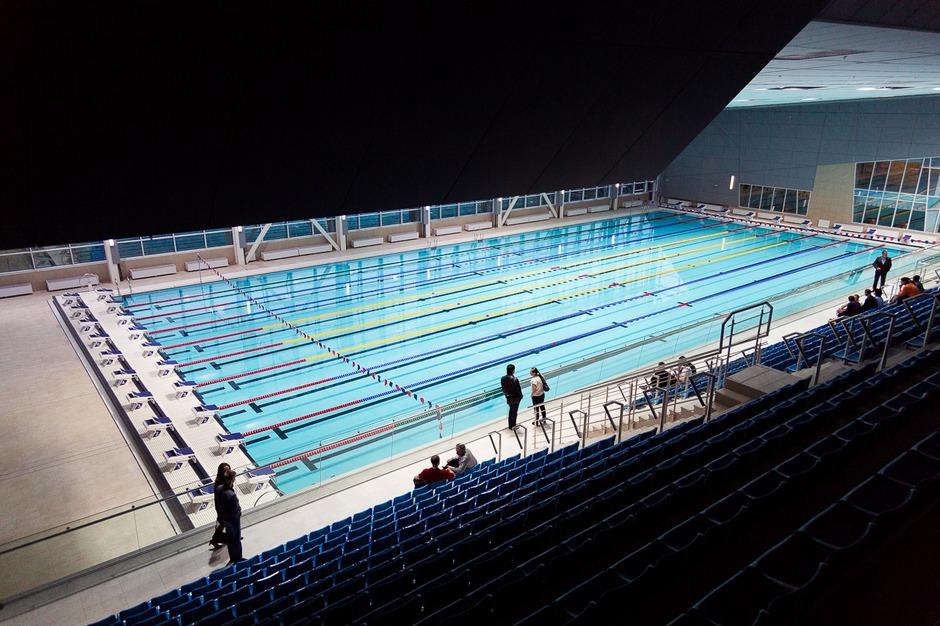 В блоке «А» расположены бассейн 25 на 12,5 метра, зал для «сухого» плавания, конференц-зал.