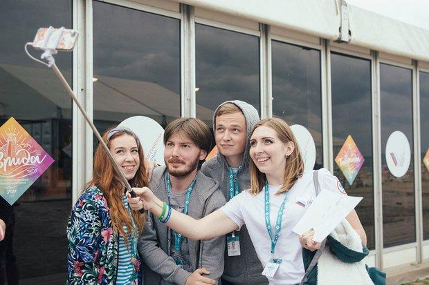 Вадим Палько (второй слева). Фото Дарьи Хватковой
