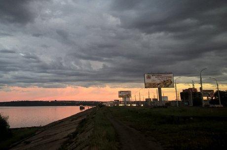 Мэрия Иркутска принудила снести 38 рекламных конструкций наплотине ГЭС