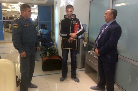 ВИркутске местный таксист спас отпожара стоматологическую поликлинику