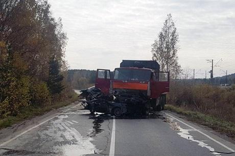 Шофёр ипассажир иномарки погибли вДТП вШелеховском районе