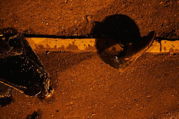 Кроссовки слетели с пассажира во время удара