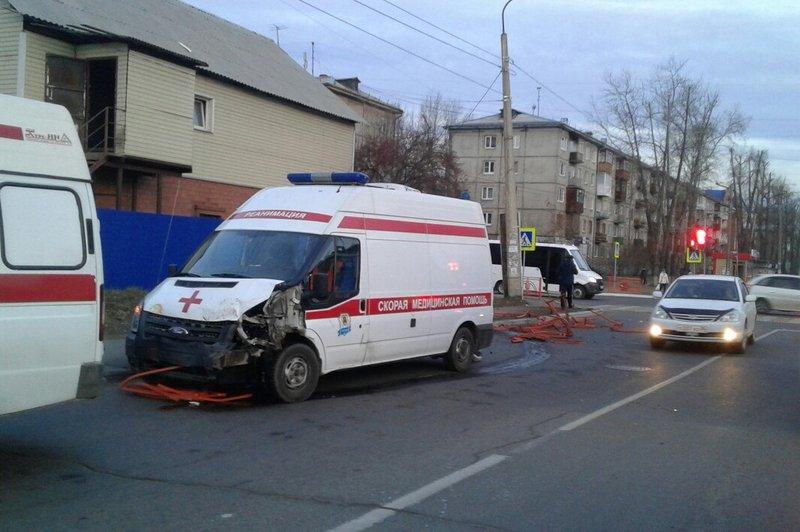 ДТП сучастием скорой помощи случилось вАнгарске Иркутской области