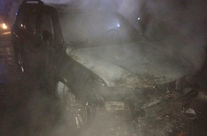 ВИркутске ночью сгорел японский вседорожный автомобиль