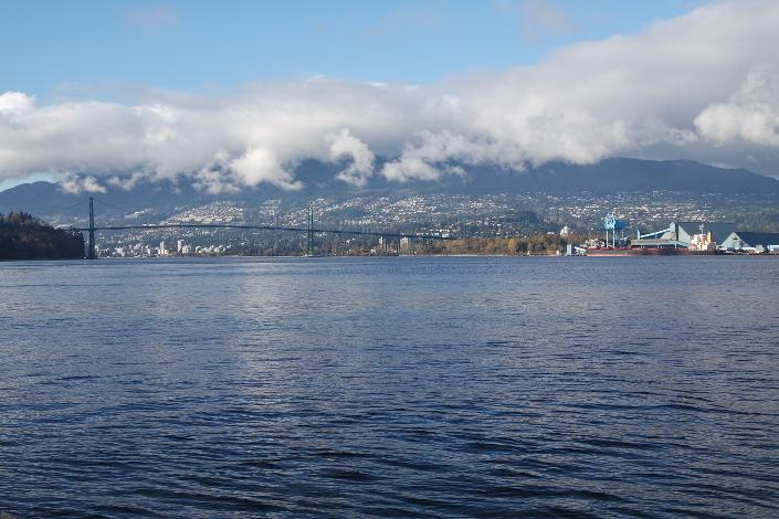 Вид на мост Лайонс-Гейт, bridge, соединяющий Ванкувер и Северный Ванкувер
