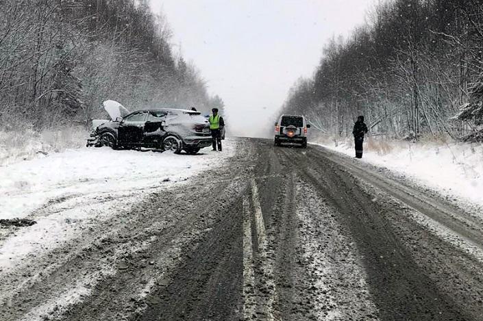 ВДТП под Иркутском умер один человек и 5 пострадали