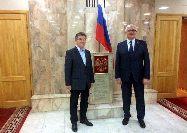Сергей Брилка с чрезвычайным и полномочным послом РФ в Монголии Искандером Азизовым