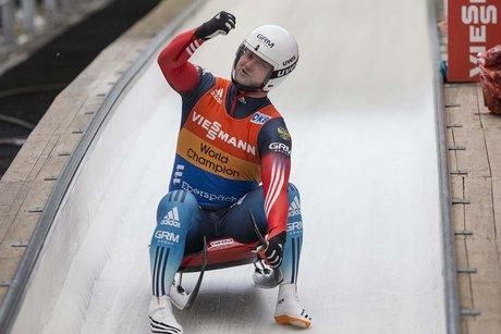 Саночник Павличенко— победитель этапа Кубка мира вИнсбруке
