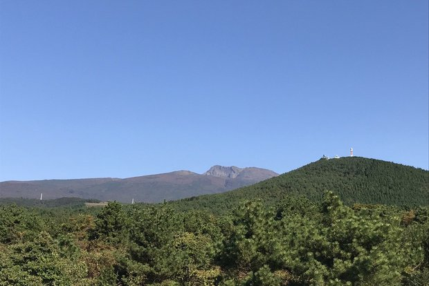 Вулкан Халласан - самая высокая точка страны