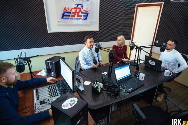 В студии радиостанции