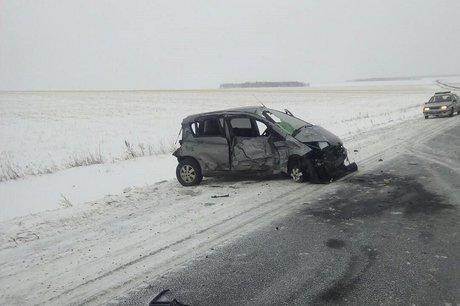 Один человек умер ипятеро пострадали вДТП вИркутской области