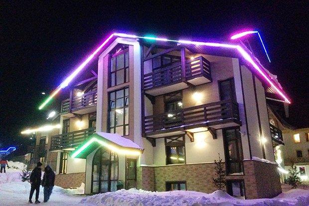 """Это один из отелей ценовой категории """"выше среднего"""". За ночь в его двуспальных апартаментах вам придется заплатить от 6000 рублей."""