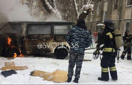 Сгоревшее мужское тело обнаружили в Мазда Bongo вИркутске