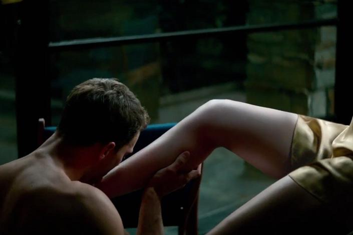 """Кадр из фильма """"Пятьдесят оттенков свободы"""". Фото с сайта www.kinoweek.net"""