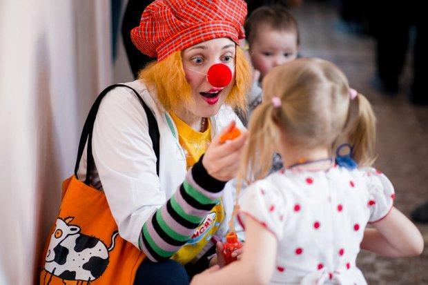 Клоуны должны уметь находить общий язык с детьми разного возраста
