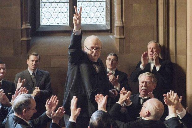 "Кадр из фильма ""Тёмные времена"". Фото с сайта www.kinopoisk.ru"