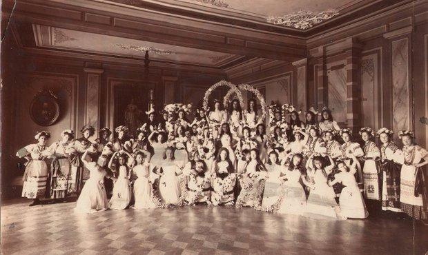 Бал в институте, 1902-1903 годы. Фото из фондов Музея истории города Иркутска