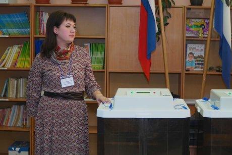 На избирательном участке. Фото Ильи Татарникова