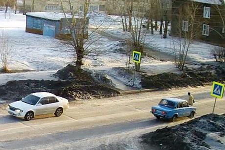 Милиция разыскивает водителя, который сбил женщину