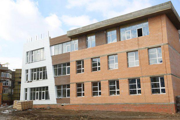 На строительной площадке школы № 19. Автор фото - Александр Новиков