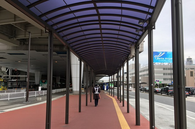 На территории аэропорта «Нарита»