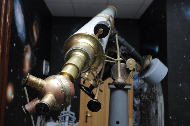 Исторический телескоп-рефрактор, изготовленный немецкой фирмой Carl Zeiss в 1909 году